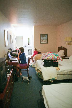 Plantation Suites: queen suite, sorry so messy, it was packing time.