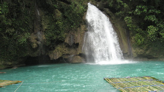 Lapu Lapu, Filippinene: Waterfall at Kawasan