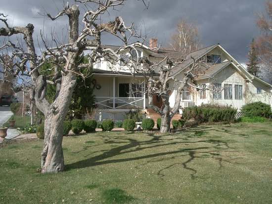 Photo of Apple Country Bed and Breakfast Yakima