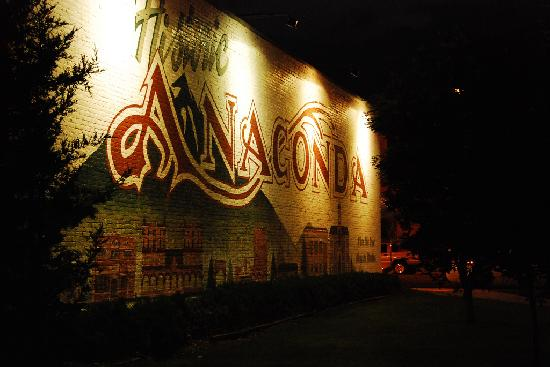 Mural welcomeing guests to Anaconda
