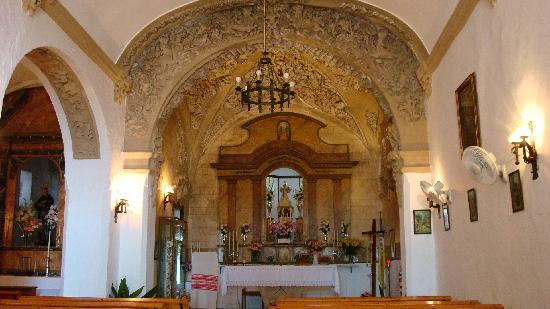 Gaucin, İspanya: Church at Castilla de Alguila