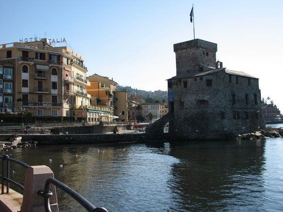 Rapallo, İtalya: Castello on the waterfront