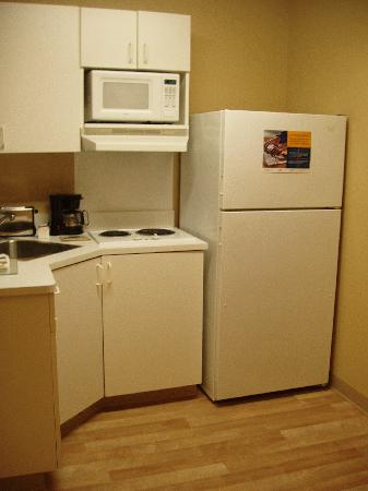 Extended Stay America - Austin - Downtown - 6th St. : Kitchenette with wood floors 