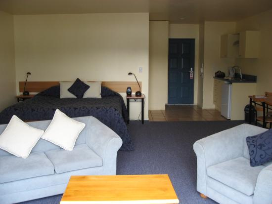 Akaroa Criterion Motel: Very spacious room