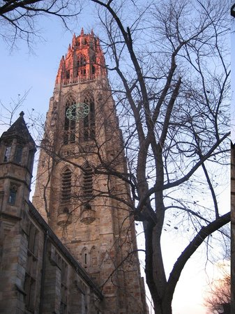 New Haven, CT: Harkness Tower in Yale University