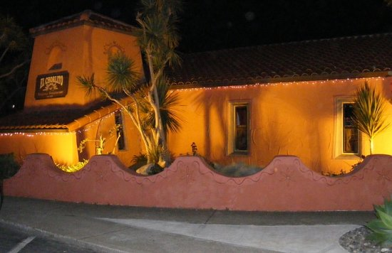Cute authentic mexican resturant review of el chorlito for Pet friendly hotels near hearst castle