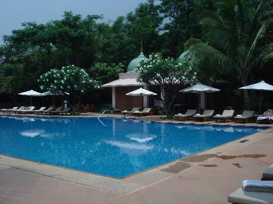 Poolside Perfect For Relaxing Before Work Picture Of The Leela Palace Bangalore Bengaluru