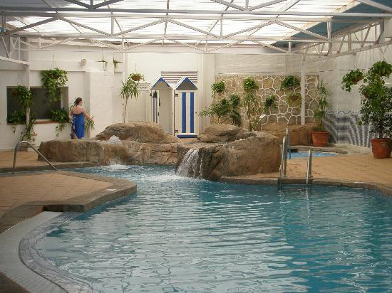 Marbella Playa Hotel: Indoor pool and Jacuzzi