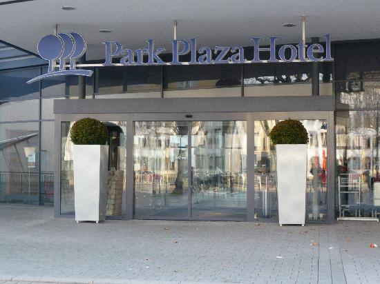 front of hotel bild von park plaza trier trier tripadvisor. Black Bedroom Furniture Sets. Home Design Ideas