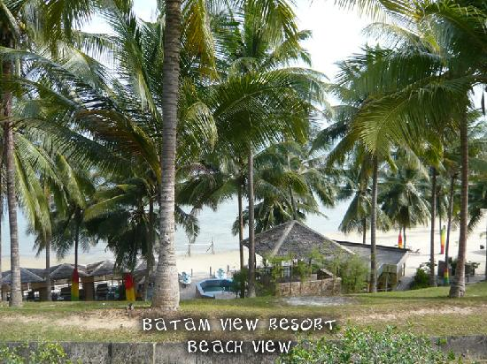 Batam View Beach Resort: Partial of the Beach