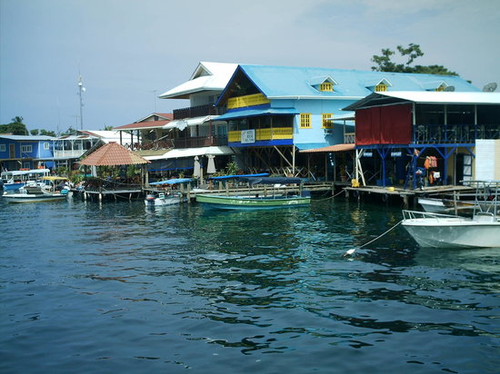 Bocas Town, : bocas del toro desde el tropical suites