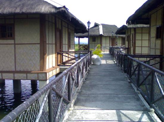 Mindanao, Filipinas: The way to the cottages