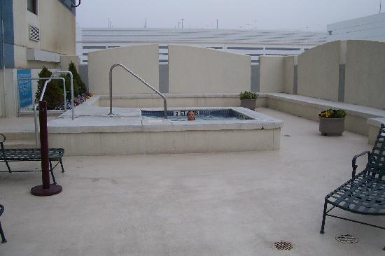 Outdoor hot tub and sun deck the fog deck picture of Hot tubs tulsa