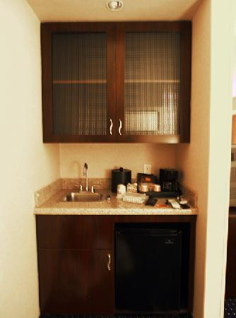 SpringHill Suites Dallas DFW Airport North/Grapevine: Kitchen Area