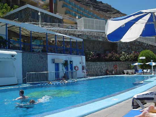 A warm pool even in march picture of mogan gran canaria tripadvisor - Pension eva puerto de mogan ...