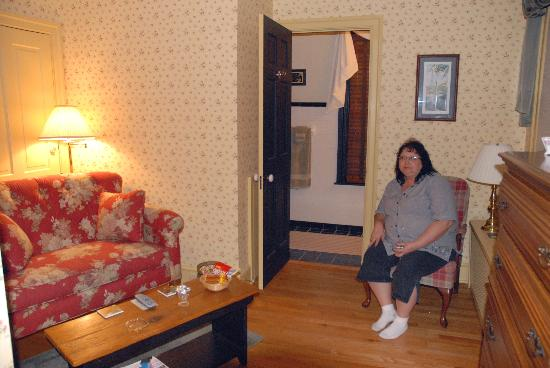 Apple Bin Inn: The Cortland Suite's Sitting Room