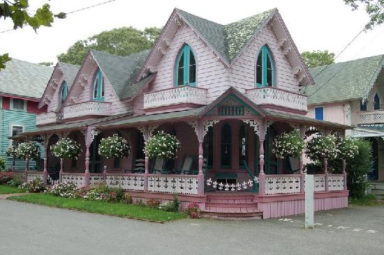 Ginger bread house oak bluffs picture of martha 39 s for Gingerbread cottages of oak bluffs