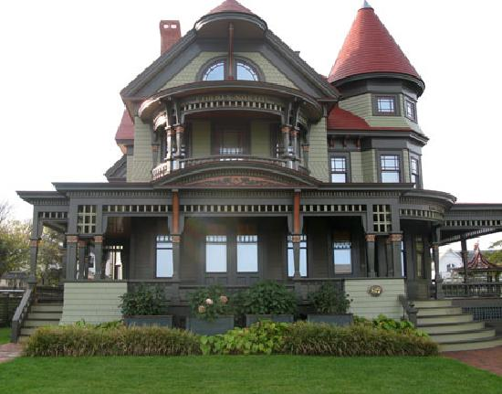 1000 images about victorian architecture for What is a victorian house