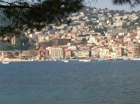 Villefranche-sur-Mer, Francja: distant picture of villefranch-sur mer