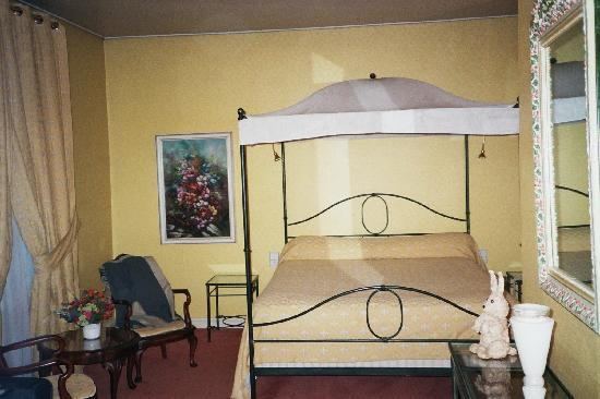 Photo of Hostellerie La Poularde Montrond-les-Bains