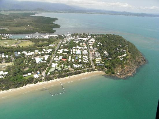 Tropic Sands Apartments: beautiful port douglas in a helicopter