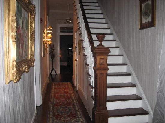 stairs and hallway picture of ihsp french quarter house