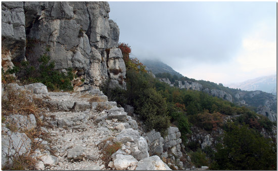 Grasse, Frankreich: Gorges du Loup from Gourdon, AzurAlive.com