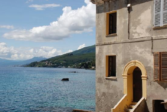 http://media-cdn.tripadvisor.com/media/photo-s/01/11/d4/83/rugged-rustic-corsica.jpg