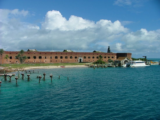 Parc national de Dry Tortugas, Floride : Arriving by sea September 2007
