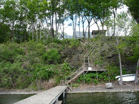 The Pearl of Seneca Lake B&amp;B: View of the House from the Dock