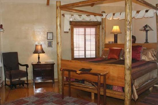 Grand Canyon Bed and Breakfast : El Tovar Bedroom