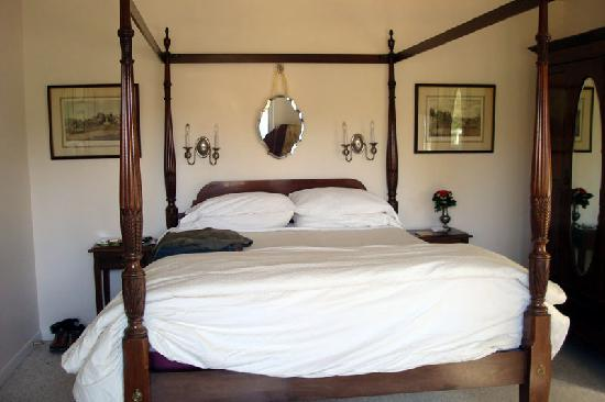 Point Reyes Country Inn & Stables: Room #4 - view looking in from the balcony