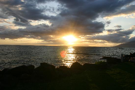 Kamaole Nalu Resort: Maui sunset