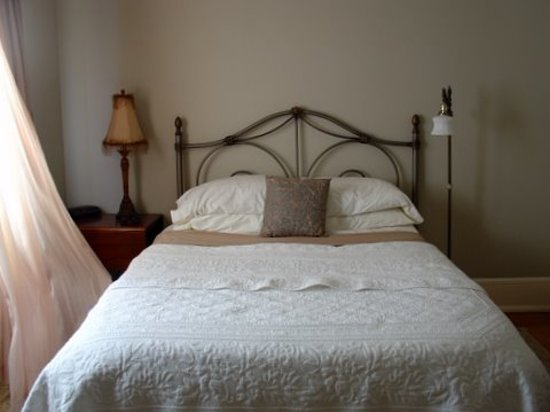 Eureka Street Inn: Alexandra&#39;s Room