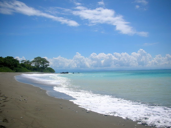Puerto Jimenez, Costa Rica: One of the beaches accesible by the Golfo Dulce trail