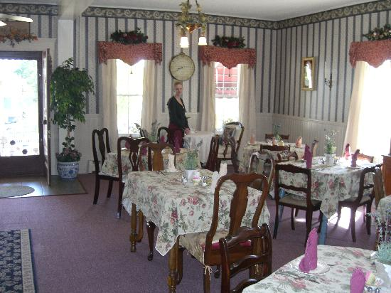 Inn at Long Lake: breakfast area
