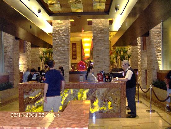 · Red Rock Casino is a lovely place in Las Vegas, away from the strip but still filled with excitement, great restaurants and great shopping. Additionally it is surrounded by the extraordinary Red Rock mountains which just adds to the great experience of staying in this part of Las Vegas.4/4.