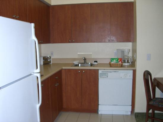 ‪‪Hawthorn Suites of Naples‬: Kitchen‬
