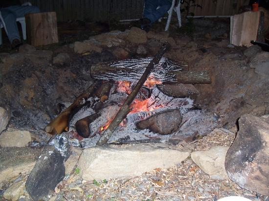 The Clarketon Motel: Fire pit at the hotel