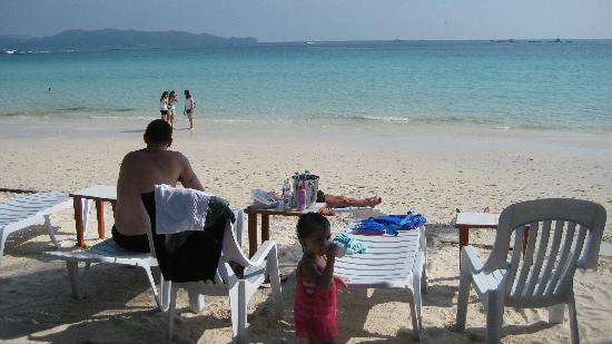 Boracay Beach Club: beachfront access