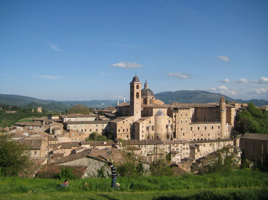 Urbino, Italien: The skyline from the fort