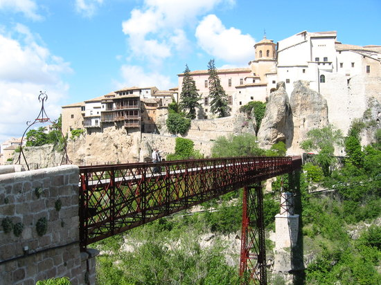 Posada de San Jose: Foot bridge over the Cuenca gorge