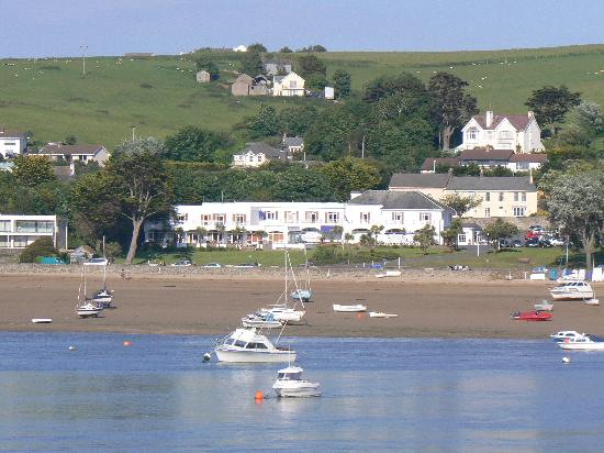 Instow, UK: View of hotel from Appledore