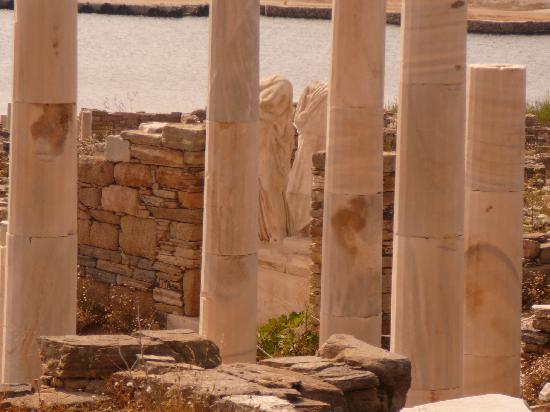 Delos, Greece: Statues