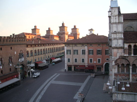 Ferrara, Italie : sunrise 