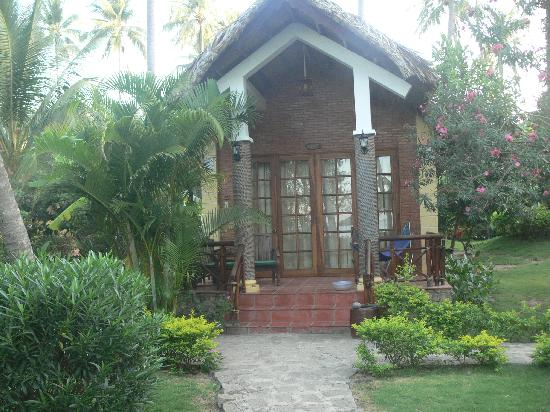 Little Mui Ne Cottages: front of cottage