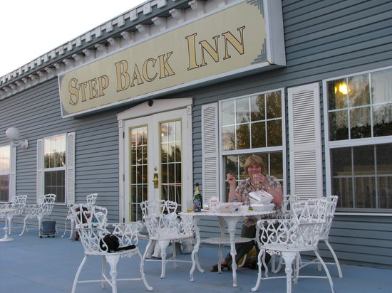 Photo of Step Back Inn Aztec