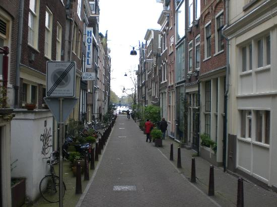 Amsterdam Cribs B&B: On this Street