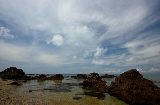 San Juan, Philippines: Rock formations, Low tide