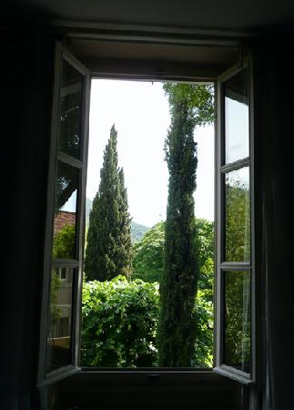 Une Autre Maison: The view from our bedroom window